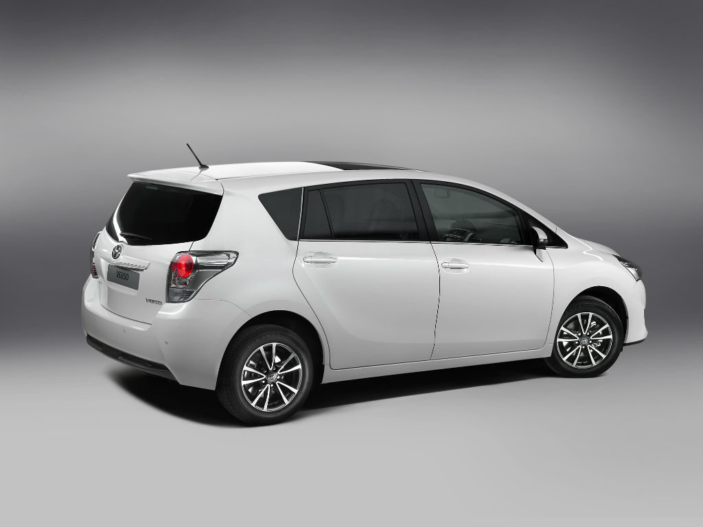 Toyota Verso 015 1024x768 - Aggressive new Toyota Verso coming 2013 - Aggressive new Toyota Verso coming 2013