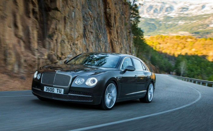 Bentley Flying Spur Front 700x432 - New Bentley Flying Spur - New Bentley Flying Spur