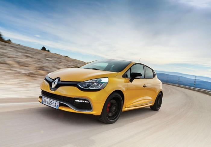 Clio RenaultSport 200 Turbo Front 700x489 - Clio Renaultsport 200 Turbo details revealed - Clio Renaultsport 200 Turbo details revealed