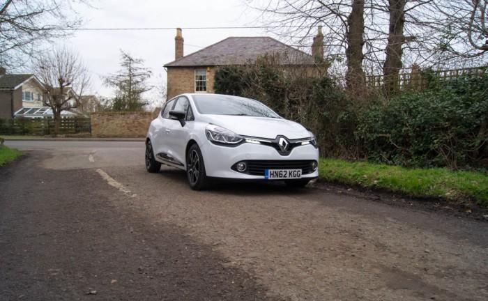 DSC00001 700x432 - Renault Clio Review – New Va Va Voom? - Renault Clio Review – New Va Va Voom?