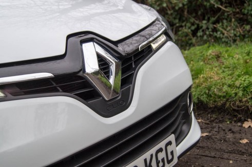 2013 Renault Clio Front Badge
