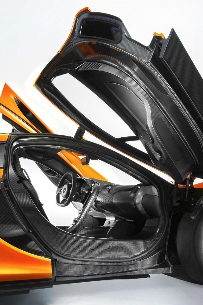 McLaren P1 Doors Open-w1024