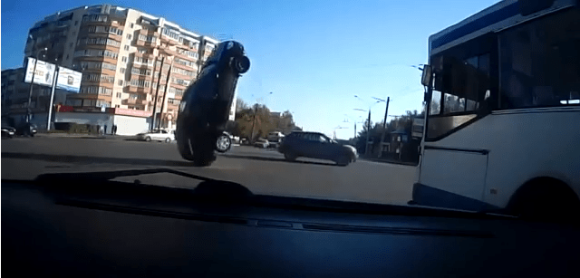 Russian Driving - Russian driving or crashing... - Russian driving or crashing...