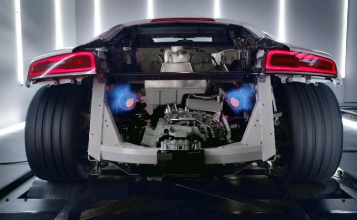 Audi R8 V10 Plus Rear 700x432 - Audi R8 V10 Plus - Audi R8 V10 Plus