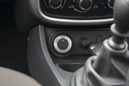 Dacia Duster AWD Selector