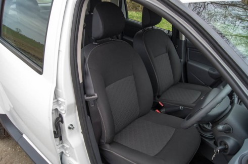 Dacia Duster Front Seats