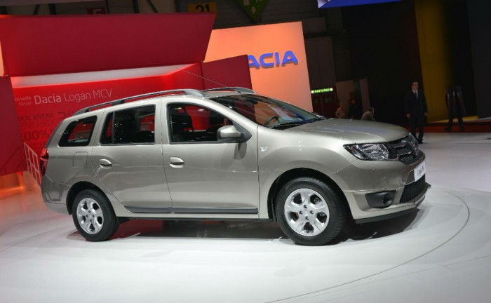 Dacia Logan Side 700x432 - Geneva 2013 - Dacia Logan - Geneva 2013 - Dacia Logan