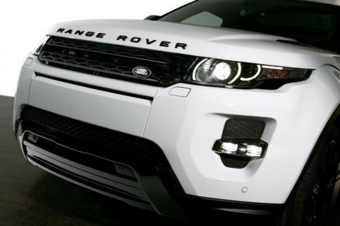Range Rover Evoque Black Design Pack Front2