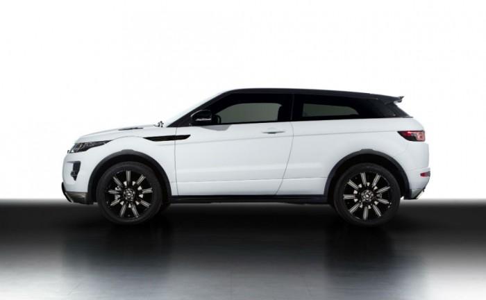 Range Rover Evoque Black Design Pack Side 700x432 - Range Rover Evoque Black Design Pack - Range Rover Evoque Black Design Pack