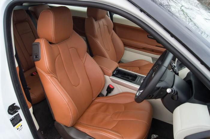 Range Rover Evoque Coupe Interior 700x465 - Range Rover Evoque Review – The perfect on roader? - Range Rover Evoque Review – The perfect on roader?