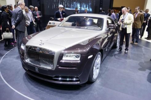 Rollys Roye Wraith Front 491x327 - Geneva 2013 - Rolls Royce Wraith Specs - Geneva 2013 - Rolls Royce Wraith Specs