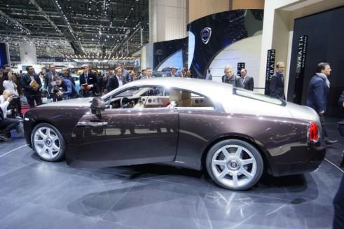 Rollys Roye Wraith Side 491x327 - Geneva 2013 - Rolls Royce Wraith Specs - Geneva 2013 - Rolls Royce Wraith Specs