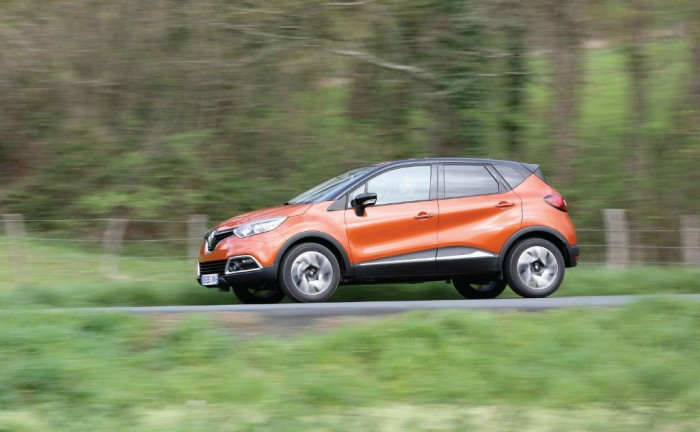 Renault Captur Side 700x432 - Renault Captur price & specs - Renault Captur price & specs