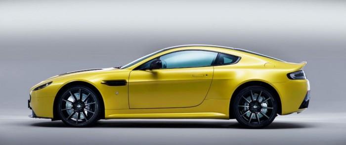 Aston Martin V12 Vantage S Side carwitter e1369940562398 700x295 - Aston Martin V12 Vantage S Specs & Price - Aston Martin V12 Vantage S Specs & Price