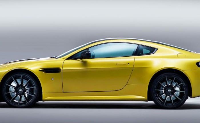 Aston Martin V12 Vantage S Side carwitter e1369940562398 700x432 - Aston Martin V12 Vantage S Specs & Price - Aston Martin V12 Vantage S Specs & Price