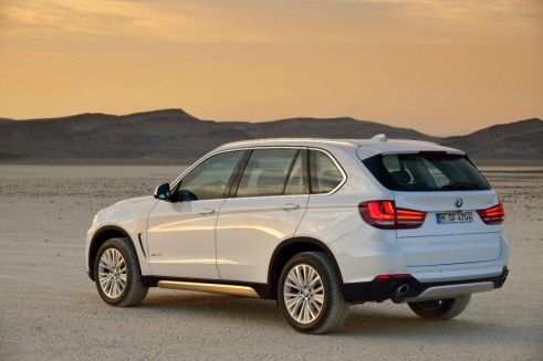 New BMW X5 2013 Rear - carwitter
