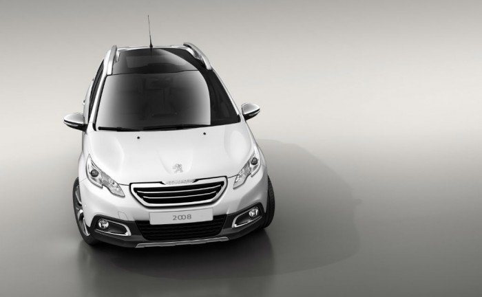 Peugeot 2008 White Front 700x432 - Peugeot 2008 Specs and Pricing - Peugeot 2008 Specs and Pricing