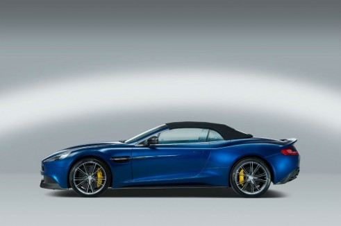 Aston Martin Vanquish Volante Side Roof Up - carwitter