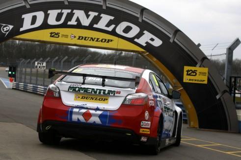 BTCC 2013 - MG Momentum Dunlop - carwitter