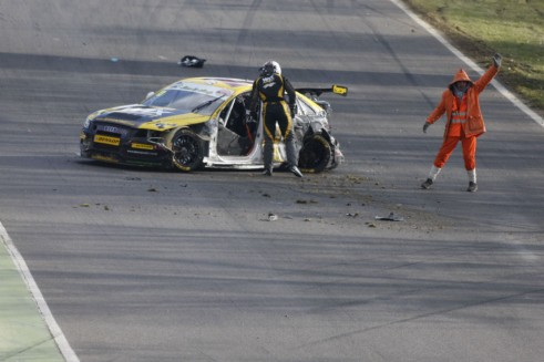 BTCC 2013 - Sherman Crash WIX Racing - carwitter