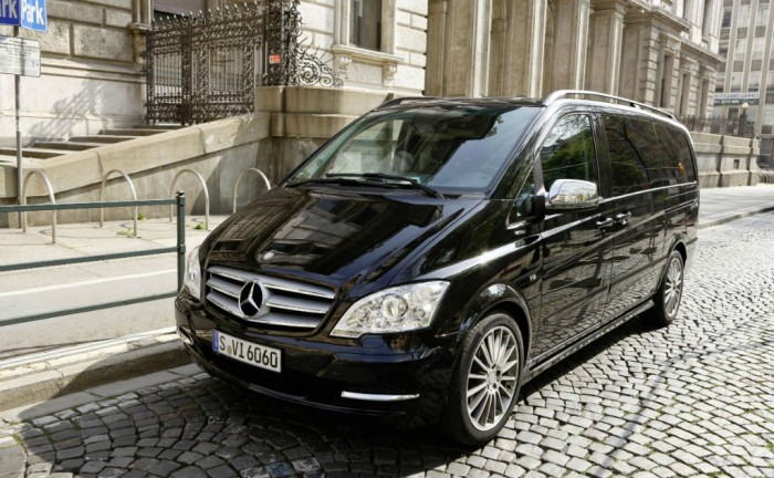 Carisma Auto Design Custom Mercedes Benz Viano carwitter 700x432 - Luxury Travel in a Mercedes Viano? - Luxury Travel in a Mercedes Viano?
