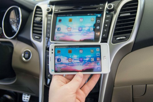 Hyundai Connectivity Concept NFC MirrorLink