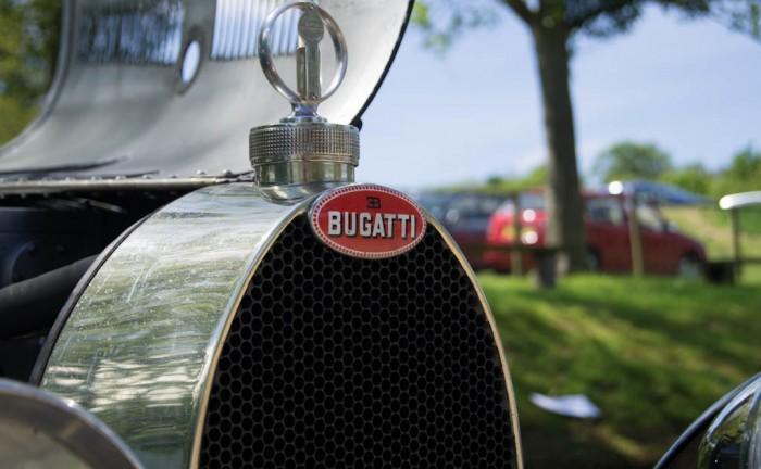 La Vie En Bleu 2013 Bugatti Badge 700x432 - La Vie En Bleu – A thoroughly French affair - La Vie En Bleu – A thoroughly French affair