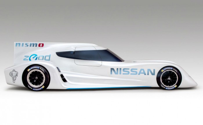 Nissan ZEROD RC Le Mans 2013 Side carwitter 700x432 - Nissan ZEROD RC 2014 Le Mans car announced - Nissan ZEROD RC 2014 Le Mans car announced