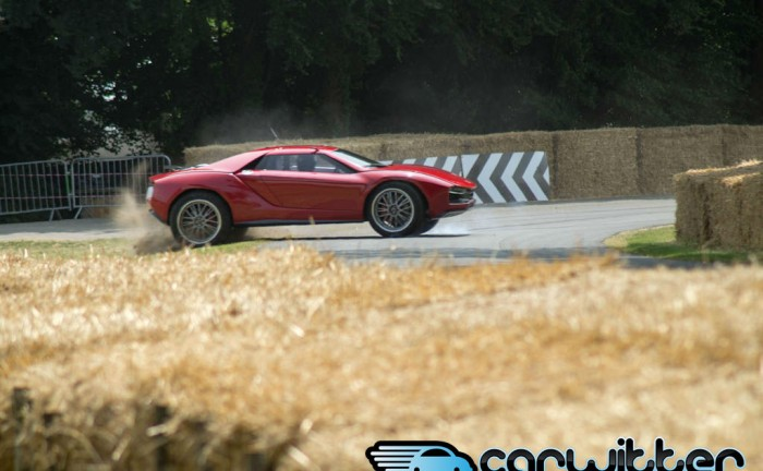 Goodwood FOS 2013 Giugiaro Parcour Crash carwitter 700x432 - Giugiaro Parcour Crash - Goodwood FoS 2013 - Giugiaro Parcour Crash - Goodwood FoS 2013