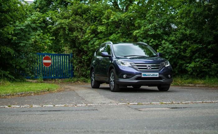 Honda CRV Review Front Angle carwitter 700x432 - Honda CR-V 1.6 diesel pricing announced - Honda CR-V 1.6 diesel pricing announced