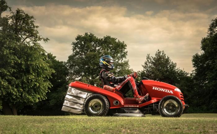 Honda Mean Mower Side carwitter 700x432 - Honda Mean Mower - Honda Mean Mower
