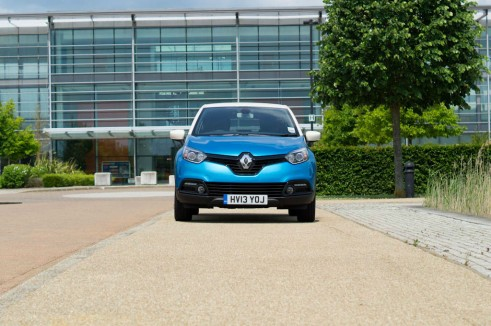 Renault Captur Review Front - carwitter