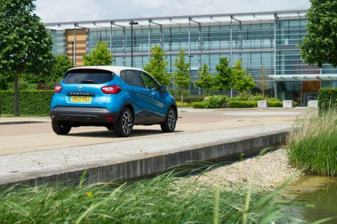Renault Captur Review Rear Angle - carwitter
