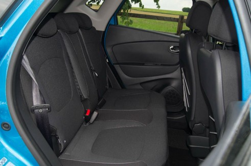 Renault Captur Review Rear Seats - carwitter