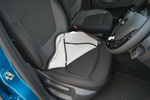 Renault Captur Review Zip Off Removable Seat Covers - carwitter
