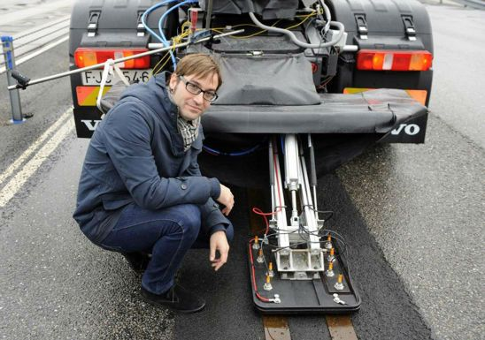 Volvo Electric Road Current Collector - Volvo make Electric Roads - Volvo make Electric Roads
