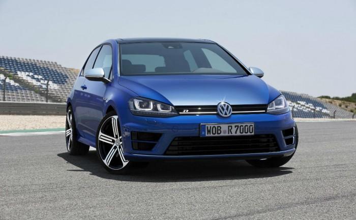2013 Volkswagen Golf R Front carwitter 700x432 - 2013 Volkswagen Golf R Initial Specs - 2013 Volkswagen Golf R Initial Specs