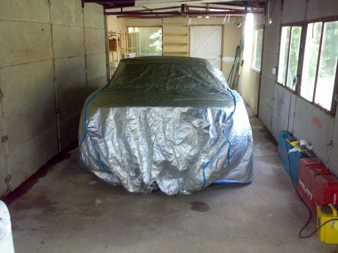 Car Under Cover - carwitter