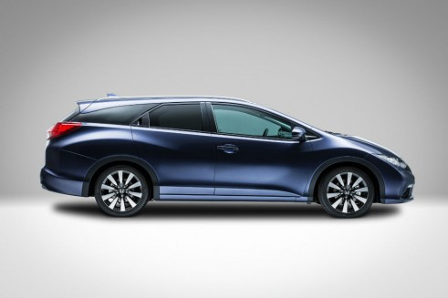 Honda Civic Tourer Side - carwitter