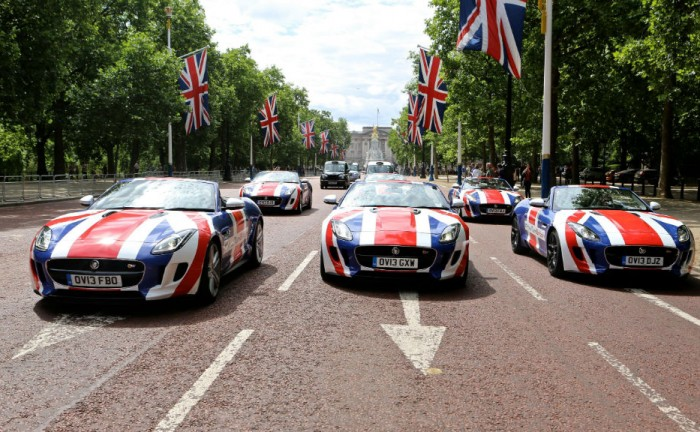 Jaguar F Type London Mall YourTurnBritain carwitter 700x432 - Jaguar F-TYPE's tour the nation because its #YourTurnBritain - Jaguar F-TYPE's tour the nation because its #YourTurnBritain
