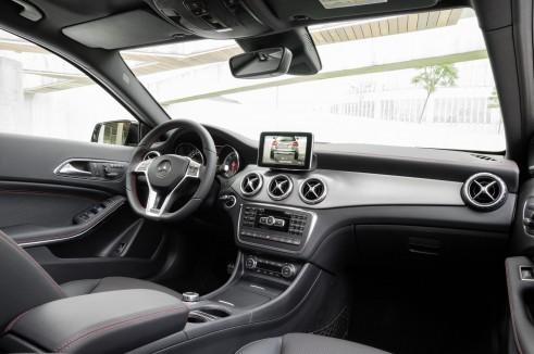 Mercedes GLA Interior - carwitter
