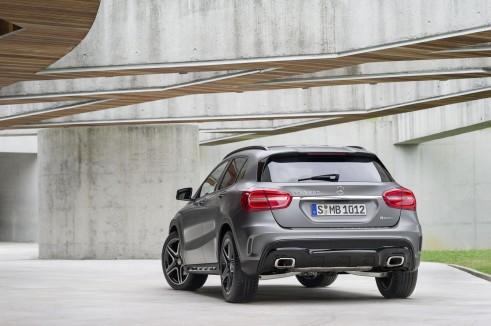 Mercedes GLA Rear - carwitter