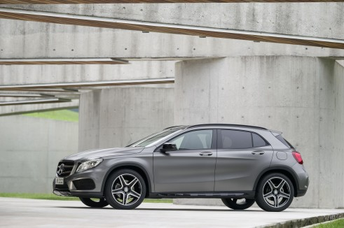 Mercedes GLA Side - carwitter