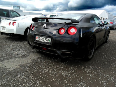 Nissan GTR V Spec Black in the UK carwitter 491x368 - Why the R35 Nissan GT-R is my all time favourite car - Why the R35 Nissan GT-R is my all time favourite car