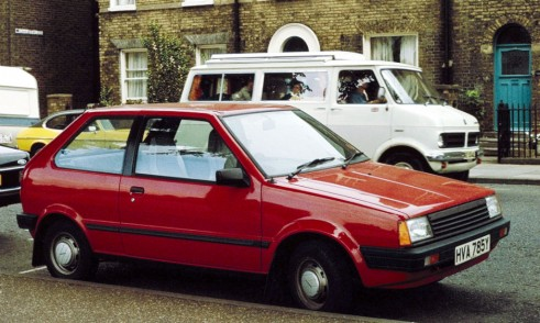 Nissan Micra K10 Red - carwitter