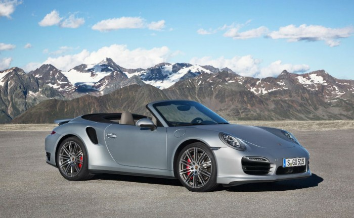 2014 Porchse 911 Turbo Cabriolet Side Front carwitter 700x432 - 2014 Porsche 911 Turbo Cabriolet Specs & Price - 2014 Porsche 911 Turbo Cabriolet Specs & Price