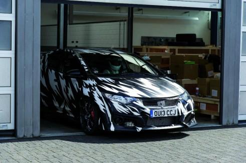 2015 Honda Civic Type R Testing Nurburgring - carwitter
