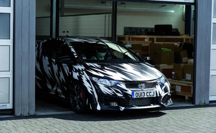 2015 Honda Civic Type R Testing Nurburgring carwitter 700x432 - 2015 Honda Civic Type-R Specs - 2015 Honda Civic Type-R Specs