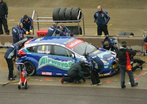 BTCC 2013 Rockingham - Onsole-Cole Airwaves Ford Focus - carwitter