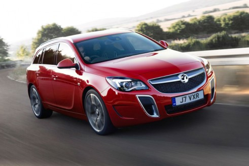 Facelift Vauxhall Insignia SuperSport Estate Front - carwitter